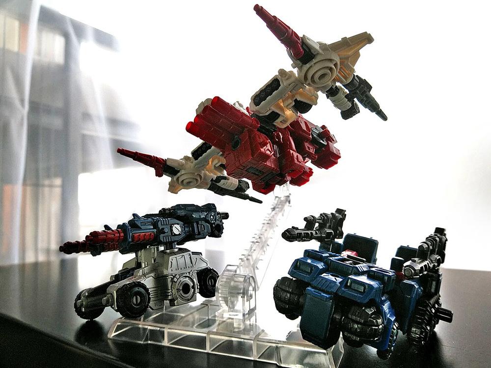 2019-04-29_transformers-siege_sg18-sixgun_two-shot1.jpg