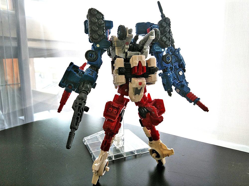 2019-05-31_transformers-siege_sixgun_cog-six1.jpg