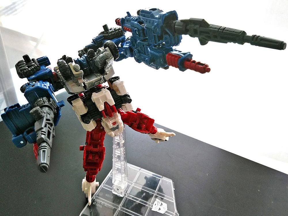 2019-05-31_transformers-siege_sixgun_cog-six10.jpg