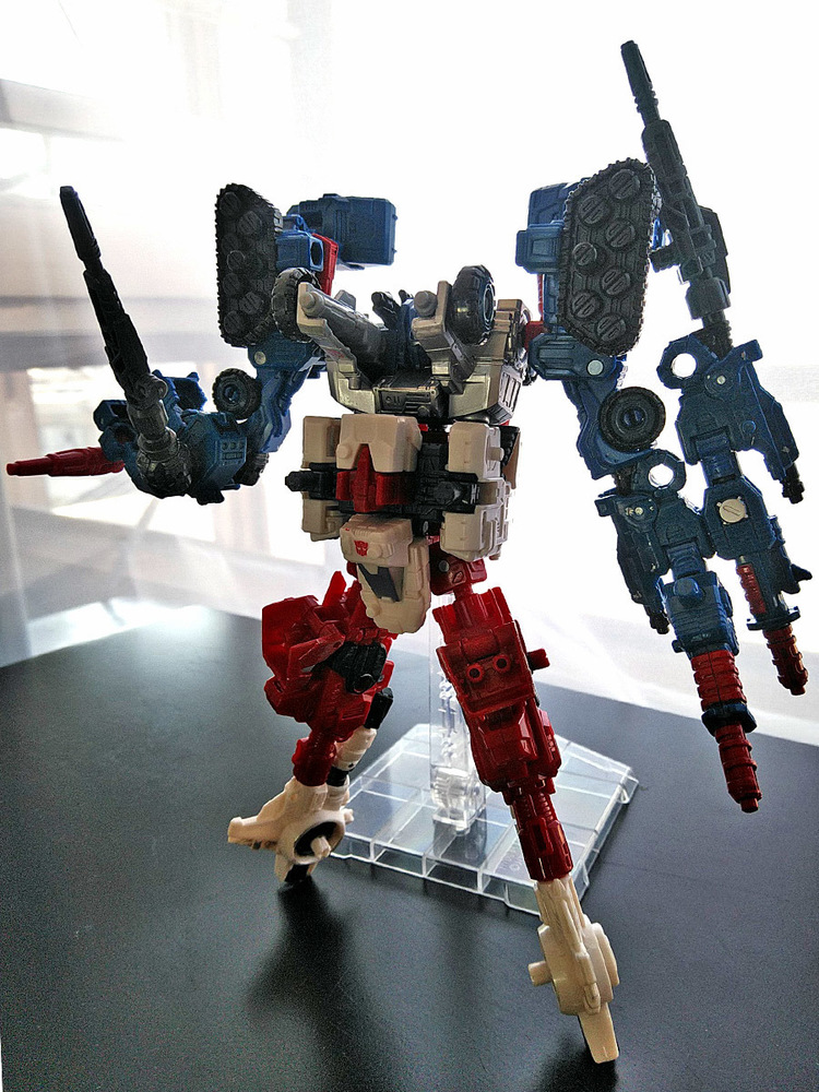 2019-05-31_transformers-siege_sixgun_cog-six2.jpg