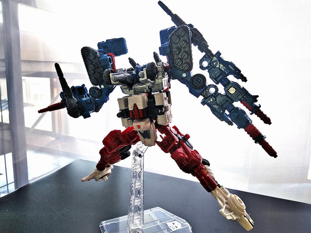 2019-05-31_transformers-siege_sixgun_cog-six5.jpg