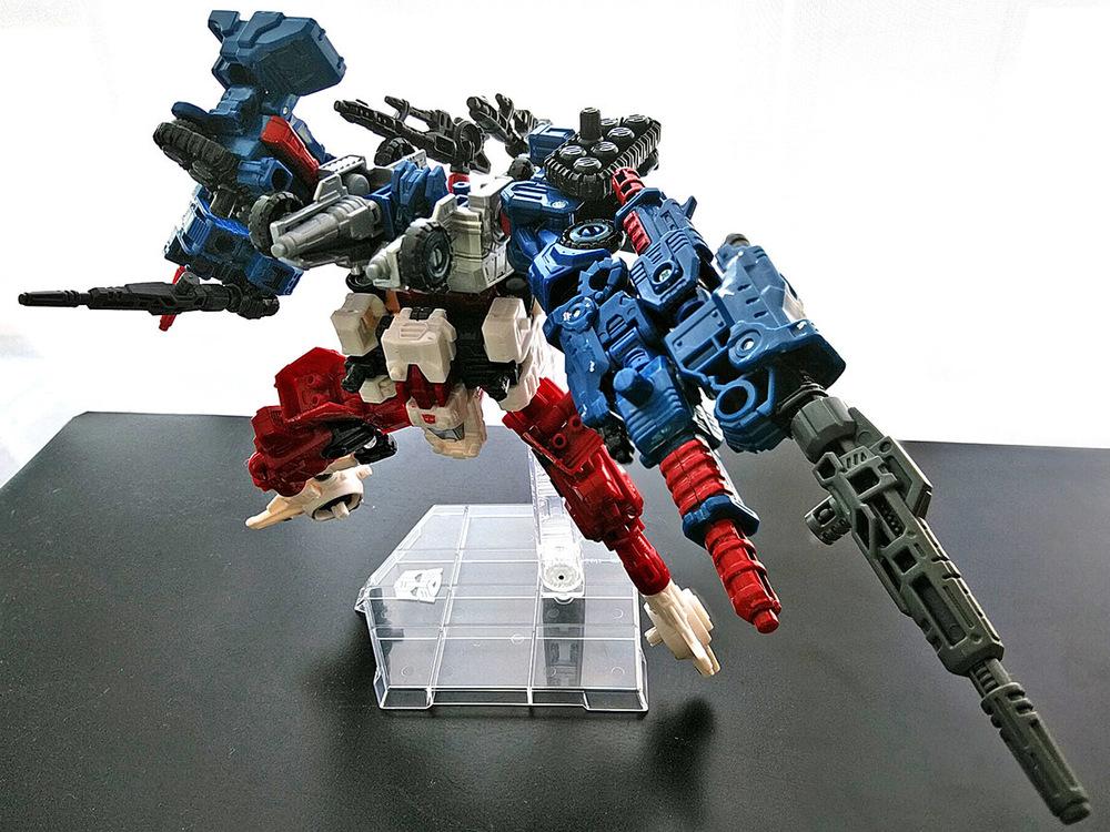 2019-05-31_transformers-siege_sixgun_cog-six6.jpg
