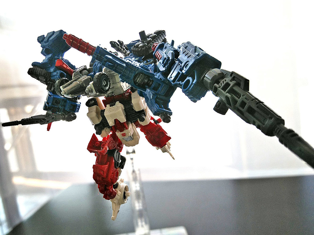 2019-05-31_transformers-siege_sixgun_cog-six8.jpg