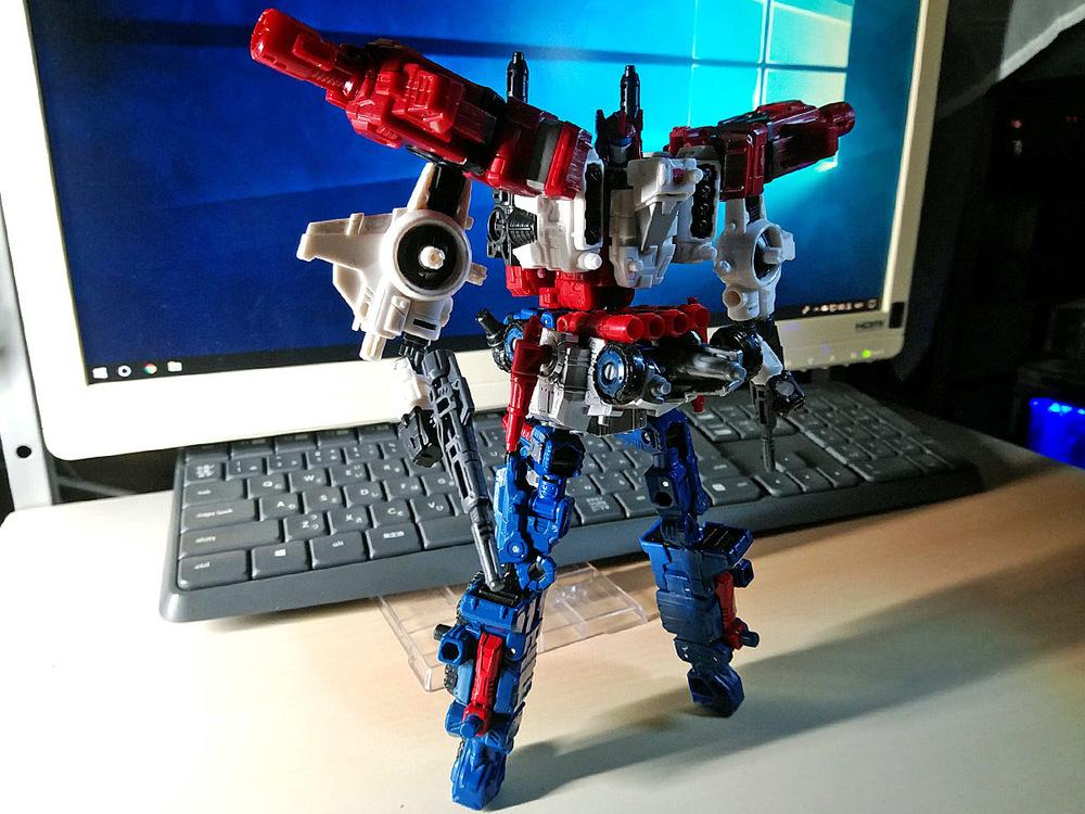 2019-05-31_transformers-siege_sixgun_six-cog1.jpg