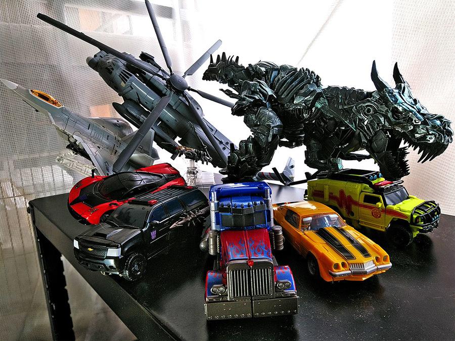 2018-05-02_transformers-studio-series2018_vehicle-mode.jpg