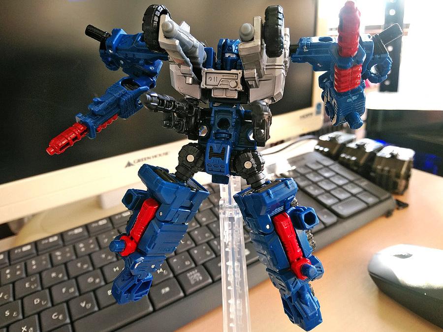 2019-02-28_transformers-siege_autobot-cog_unite1-1.jpg