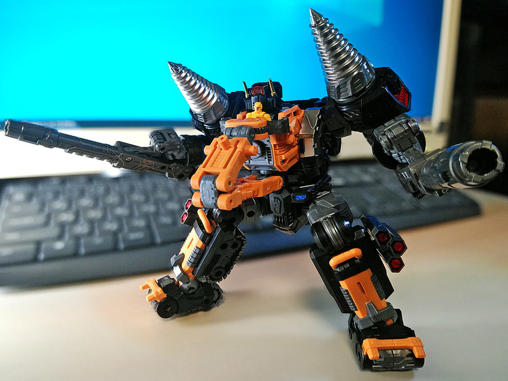 2020-02-06_diaclone-trivers_tridigger_double-arm1.jpg