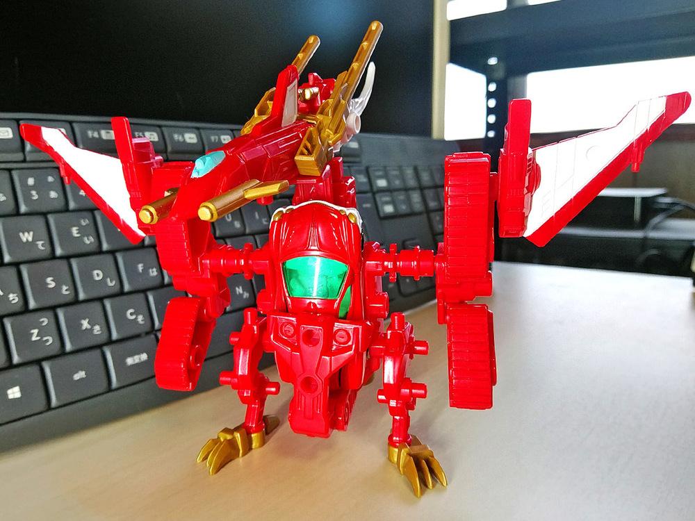 2020-02-23_tomica-hyper-bluepolice_buildup-tomica_dragneel-armor-set1.jpg