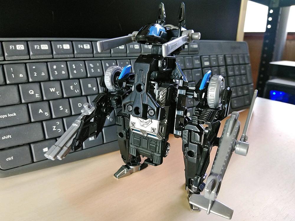 2020-02-23_tomica-hyper-bluepolice_buildup-tomica_powerd-armor-set1.jpg