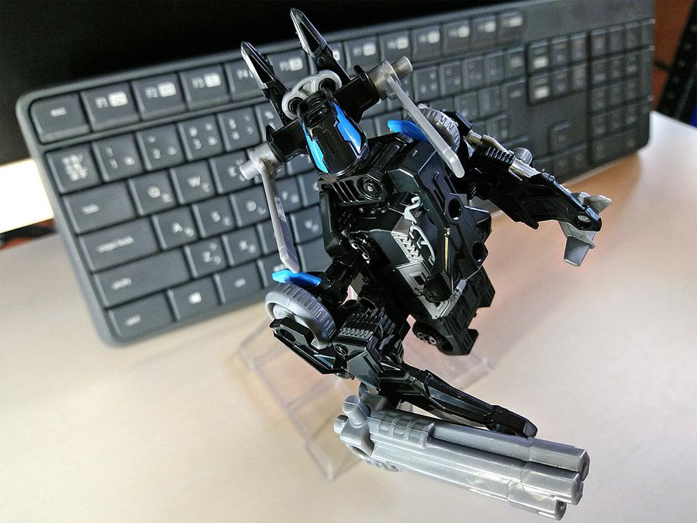 2020-02-23_tomica-hyper-bluepolice_buildup-tomica_powerd-armor-set2.jpg
