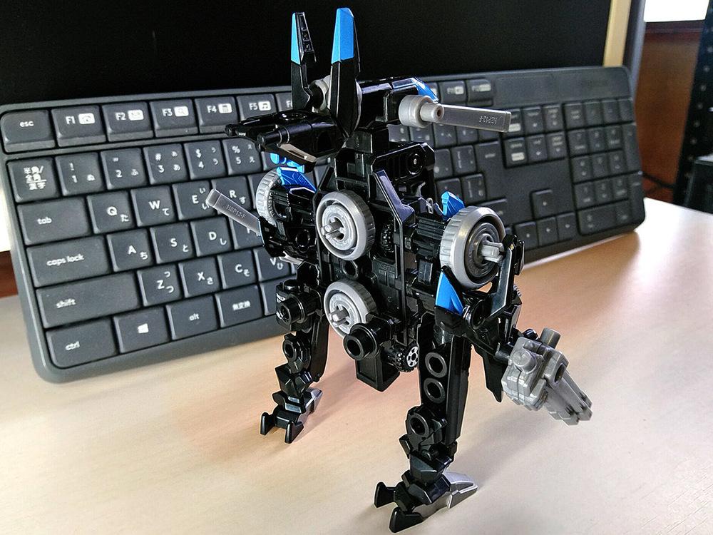 2020-02-23_tomica-hyper-bluepolice_buildup-tomica_powerd-armor-set3.jpg