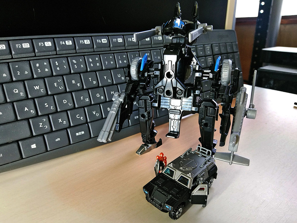2020-02-23_tomica-hyper-bluepolice_buildup-tomica_powerd-armor-set4.jpg