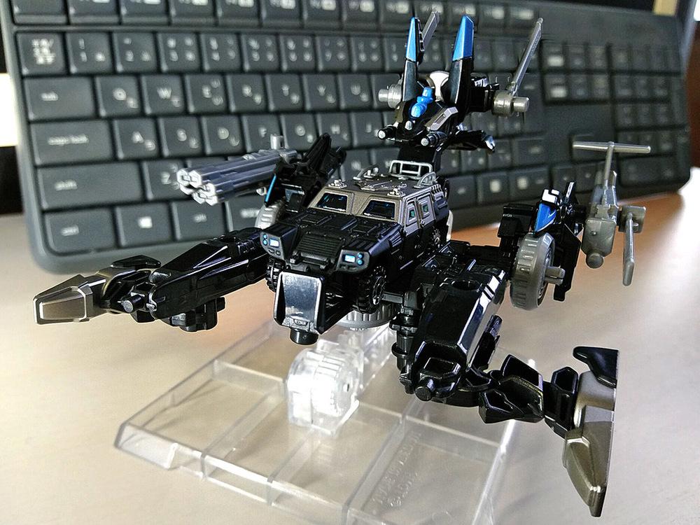 2020-02-23_tomica-hyper-bluepolice_buildup-tomica_powerd-armor-set6.jpg