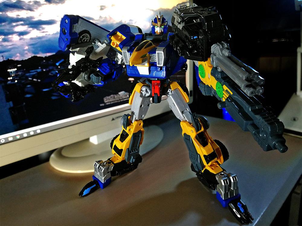 2020-04-26_earth-granner_powerd-armor-set_eagle-cheetah1.jpg