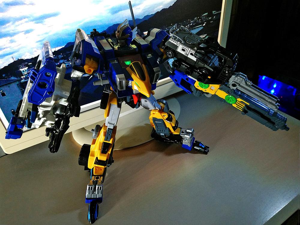 2020-04-26_earth-granner_powerd-armor-set_eagle-cheetah2.jpg
