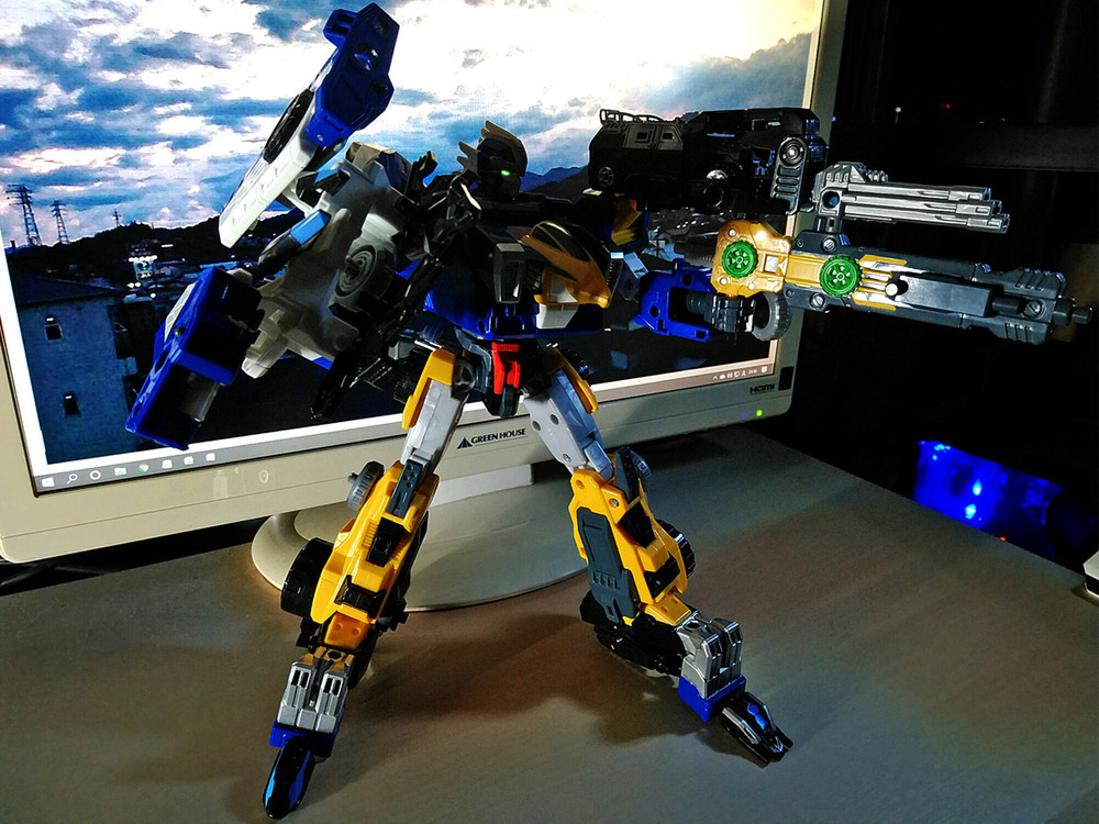 2020-04-26_earth-granner_powerd-armor-set_eagle-cheetah4.jpg