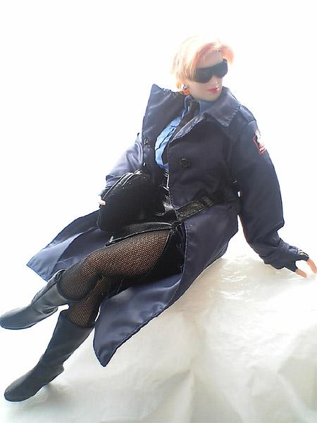 eijaikaya-2005-04-25_cgex2policecoat.jpg